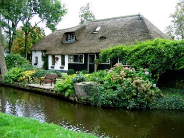 9, giethoorn in holland marisa haque & ikang fawzi, village withouts treets