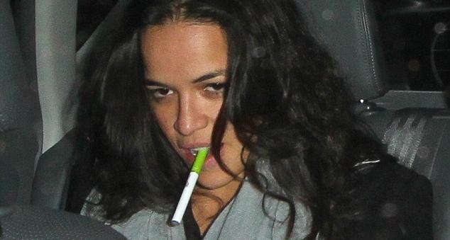 Tendo deixado a fumagem suo à noite