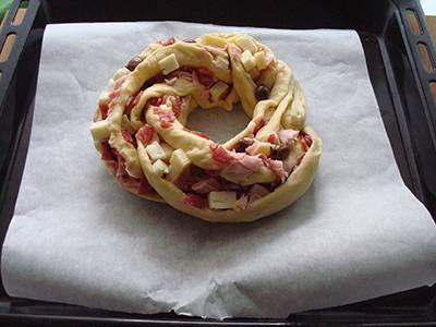 Torta Angelica salata: creare una ciambella