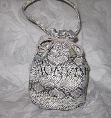 drawstring shoe bag, Konvine, rollable shoes, wristlet