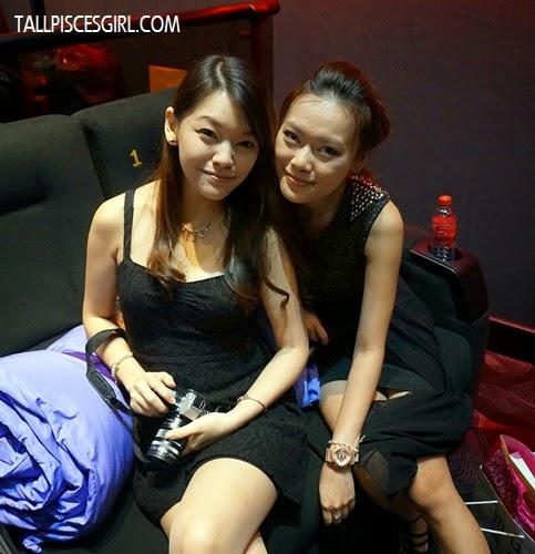 Got pretty ladies accompany me also - Anna and Caroline =)