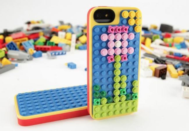 IPhone 5 phone cover is made of Lego officially