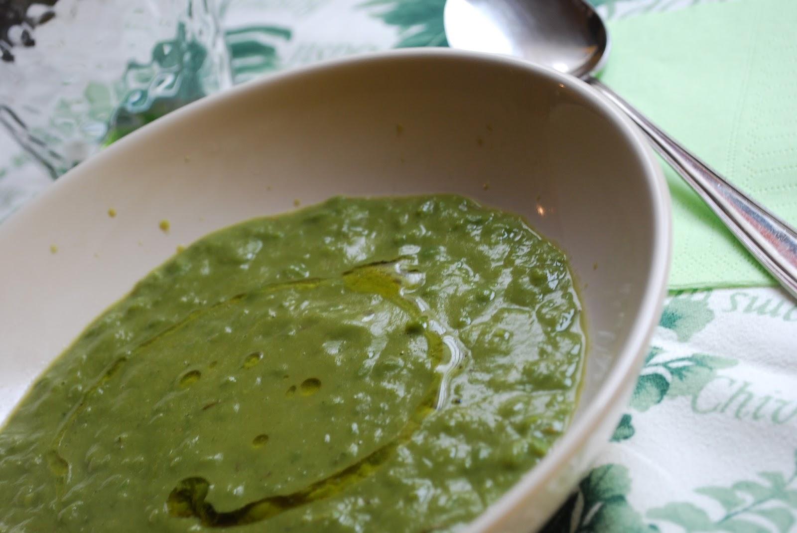 minestra di piselli e prezzemolo per il redone di marzo