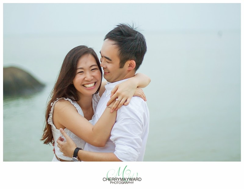 photo of a couple laughing, beautiful natural photo, couple having fun, laughing