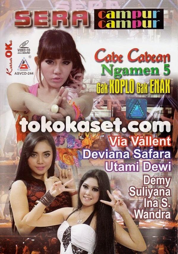 Gak Koplo Gak Enak – Utami Dewi Fortuna – Sera Live Genteng 2014