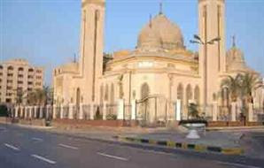 الآلاف من الإخوان يحتشدون بمسجد الرحمن الرحيم القريب من قصر الرئاسة