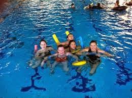Bahayanya Berenang Di Kolam Renang