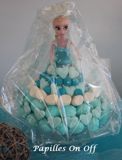 Papilles on off sweet table anniversaire reine des neiges - Barbie reine des neiges ...