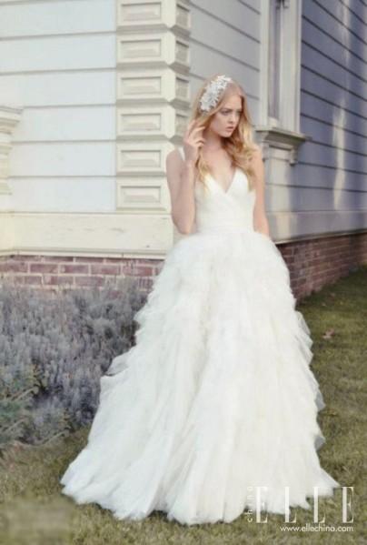Celebrity Dresses: August 2013