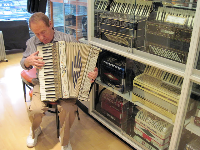 The Accordian Museum certainly has an Old New York feel to it.