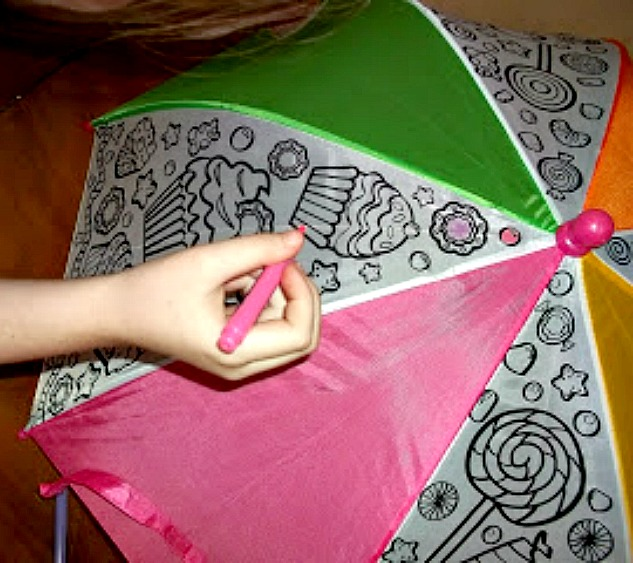 Color an  Umbrella craft from Alex Toys Super Cute!