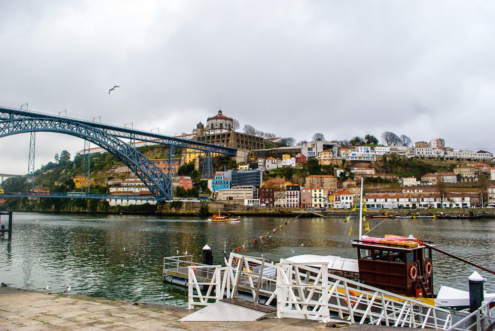 solo travel to portugal - porto