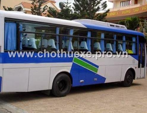 Cho thuê xe Huyndai Aero Town đưa đón nhân viên