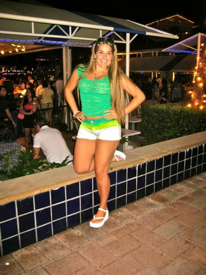 Conheça a bela modelo e musa santista, a gostosa Gabrielle Pierotti