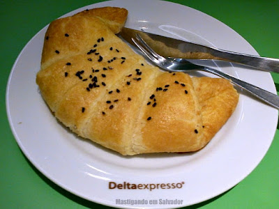 Deltaexpresso: Croissant de Chester e Cream Cheese