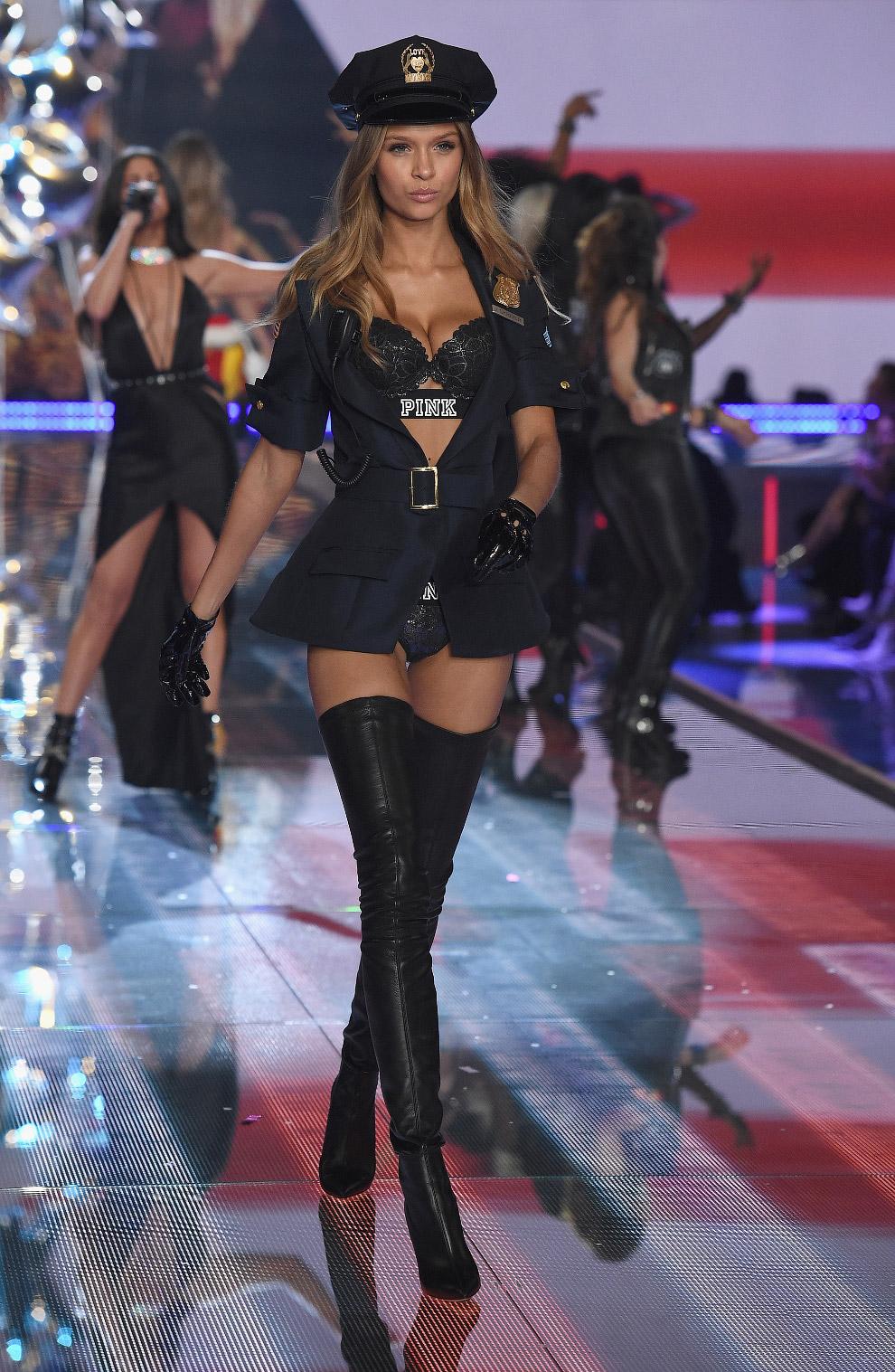 Шоу Victoria`s Secret 2015