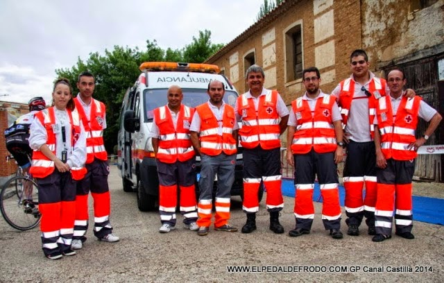 Helping in GP Canal de Castilla