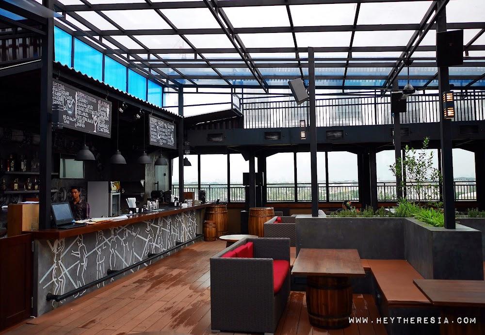 Above 5 sky bar at pantai indah kapuk pik heytheresia for Food bar pik