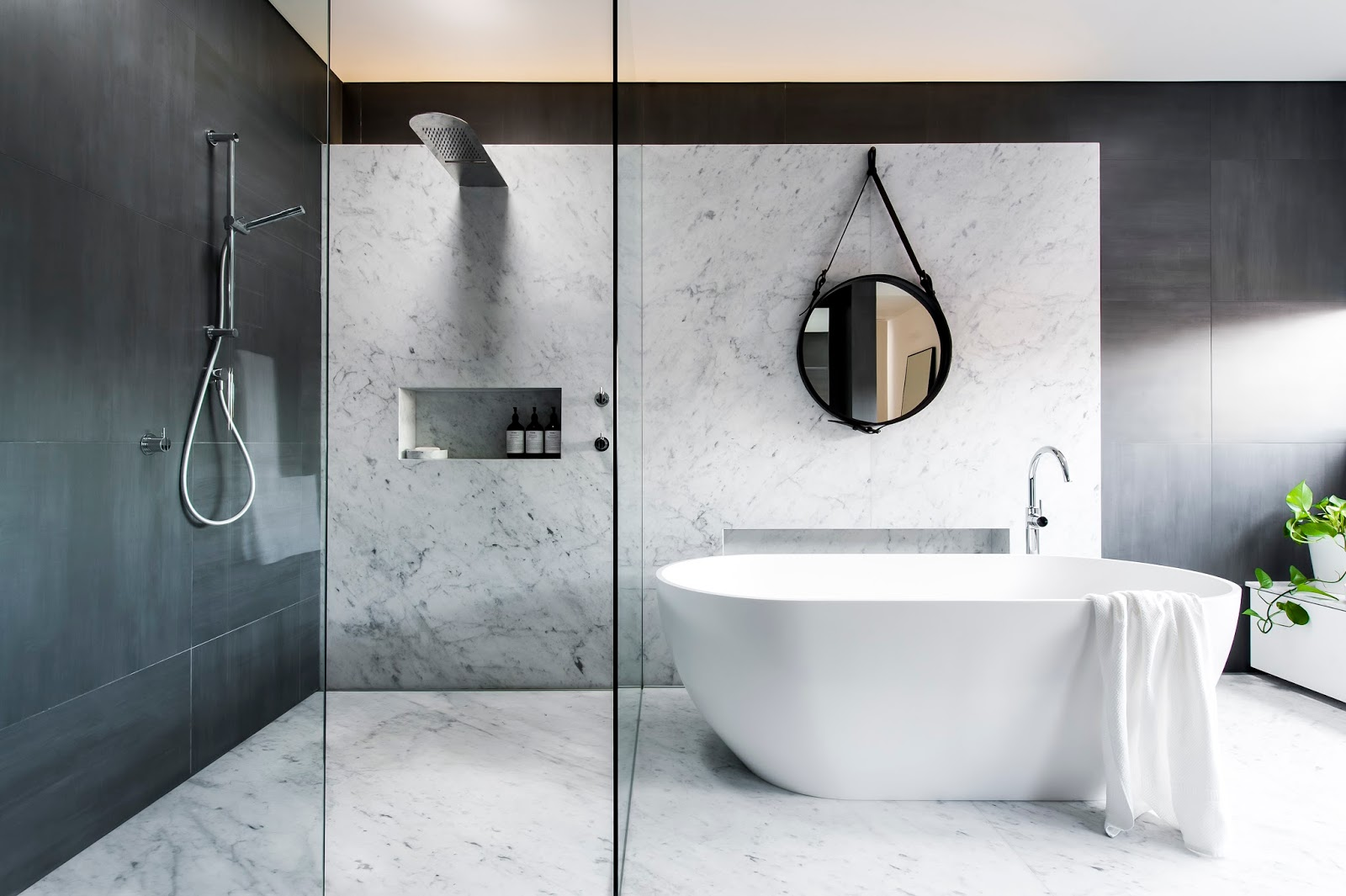 Minosa: Understated elegance creates a stunning bathroom.