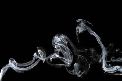 Sexy fumando tubos