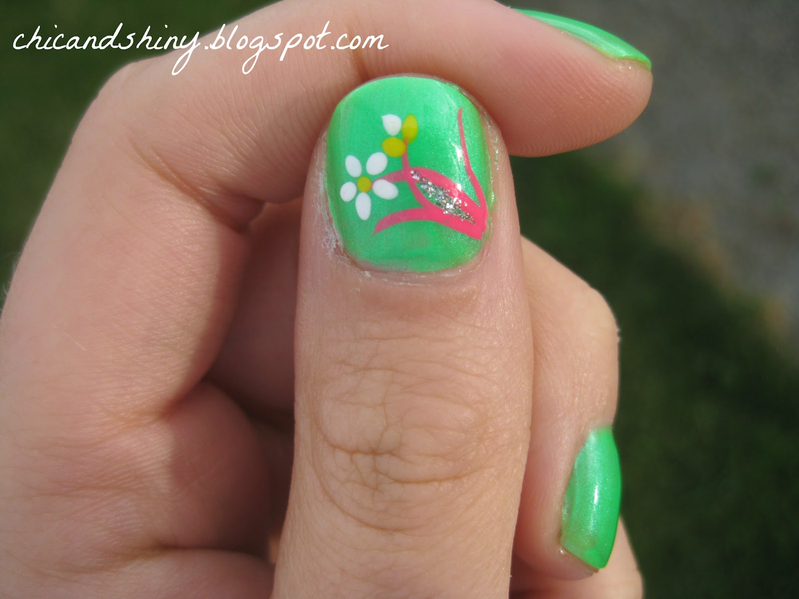 Chic & Shiny: Simple Floral Nail Art