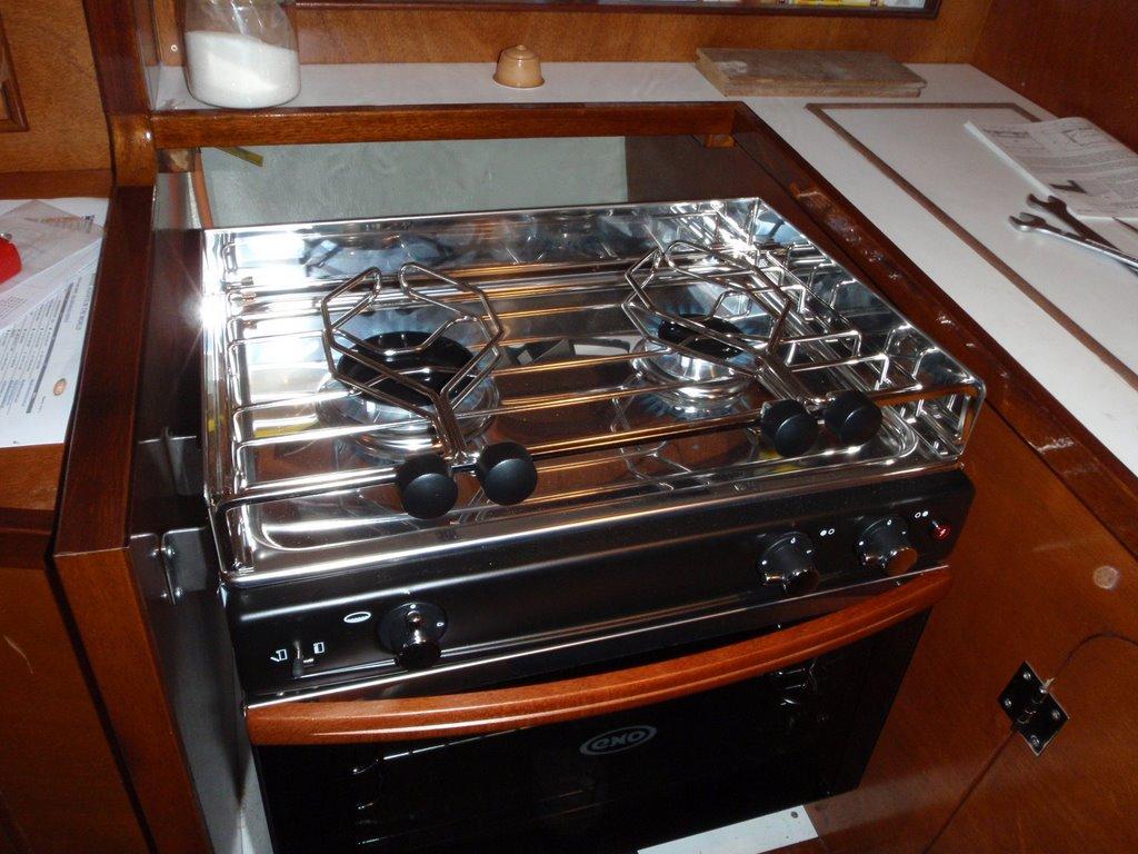 El barco tom sawyer instalaci n in extremis de la cocina - Cocinas el barco granada ...