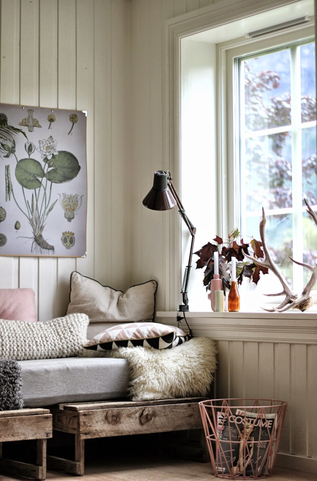my scandinavian home the cosy and relaxed home of a norwegian blogger. Black Bedroom Furniture Sets. Home Design Ideas