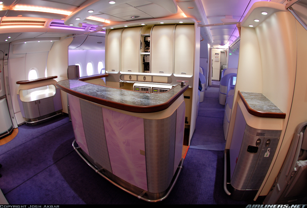 Jet airlines airbus a380 interior for Interior pictures