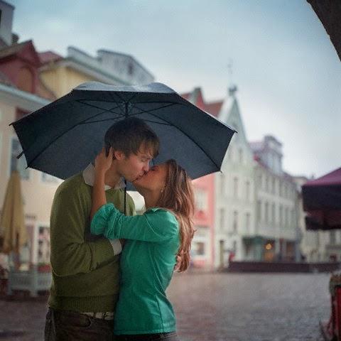 Ảnh hôn nhau dưới mưa - hình 3