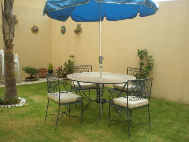 Muebles para jardin cocinas modernass for Muebles con tarimas para jardin