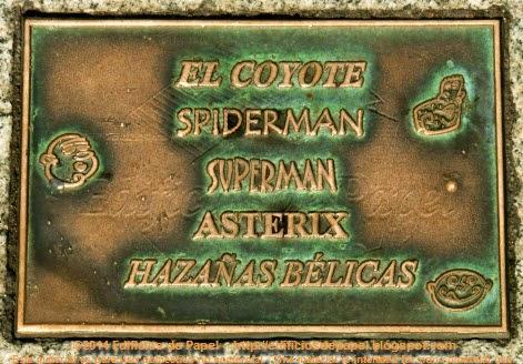 Muchas placas recuerdan a los distintos héroes