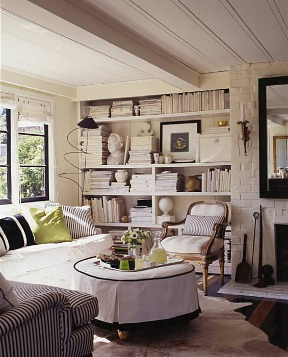 Chic and cozy cottage ellegant home design for Cozy cottage living room ideas