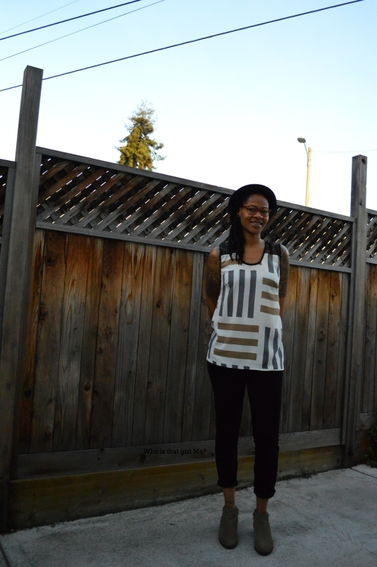 DIY lace back tunic pose 4 {who is that girl Mo?}