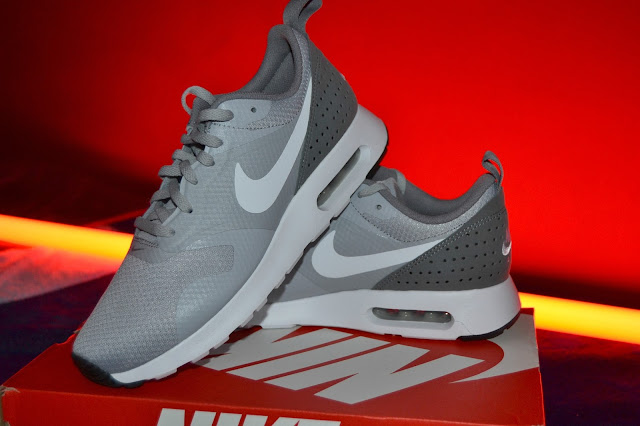 http://www.syriouslyinfashion.com/2015/12/nike-air-max-tavas-trainers.html