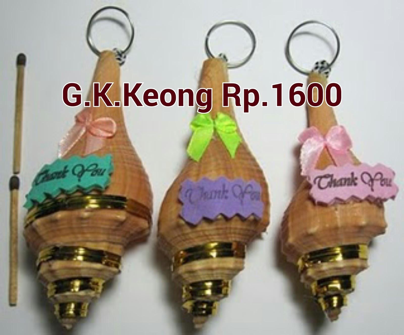 Paket Pernikahan Lengkap Gubuk Souvenir Pandaan Gantungan Kunci Sovenir Rp1500