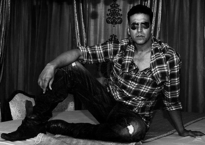 Bollywood Actor Akshay Kumar Childhood Pics - MERE PIX