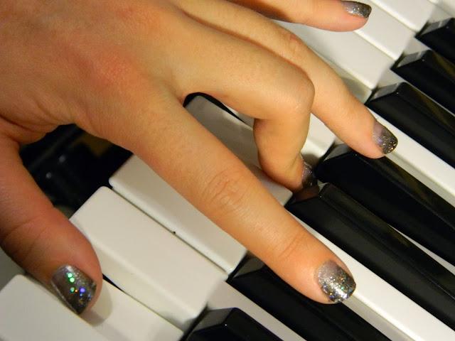 kiss gradation gradient nail polish silver black