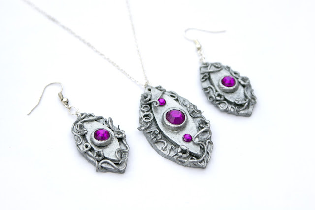 https://www.etsy.com/uk/listing/171099459/night-elven-jewellery-set-night-elf-clay