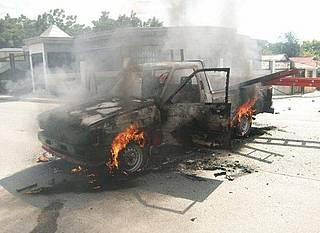 Queman camioneta a senador del PLD en Pedernales