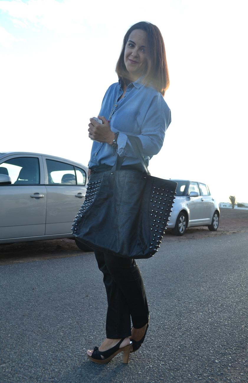 Working_girl:_Denim_&_Black_Blanco_Mango_Ebay_Bershka_Majorica_01