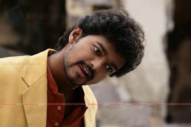 Vijay in 'Azhagiya Tamizh Magan' Movie 3