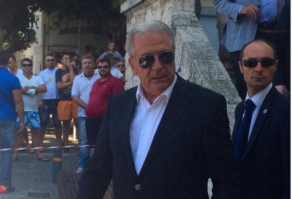 Δημήτρης Αβραμόπουλος και Φρανς Τίμερμανς ήρθαν αντιμέτωποι για δεύτερη  φορά μέσα σε λίγες ώρες b98d0434276