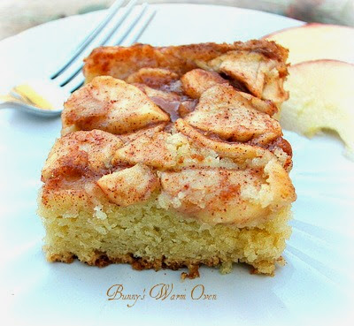 Bunny's Warm Oven: Apple Topped Cream Cheese Coffee Cake