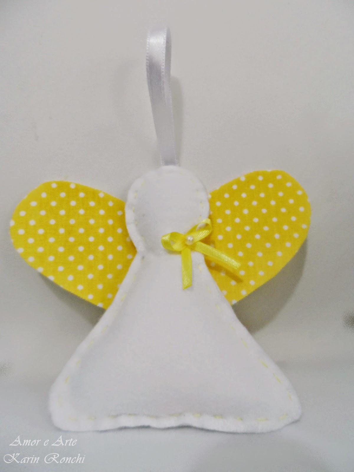 Anjinho em feltro, amarelo - perfumado