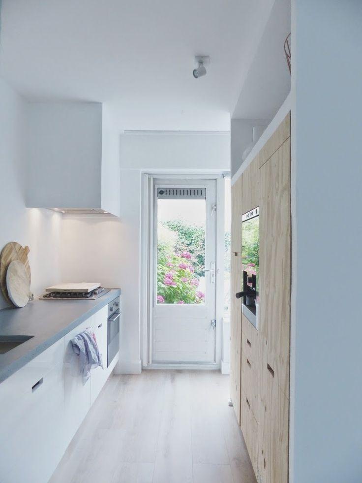 Interior relooking come rendere pi grande una cucina piccola for Arredare cucina piccola e stretta