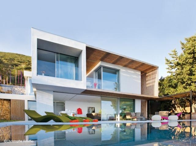 Cadru idilic la saint tropez deco relooking for Architecture maison design