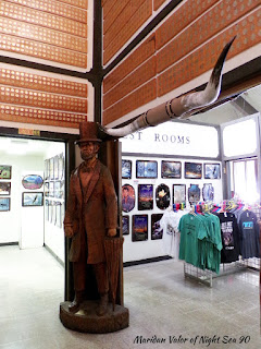 50000 Silver Dollar Bar Review, located in Haugan Montana. More silver dollar coins as well as a statue that I almost missed seeing altogether. Night Sea 90