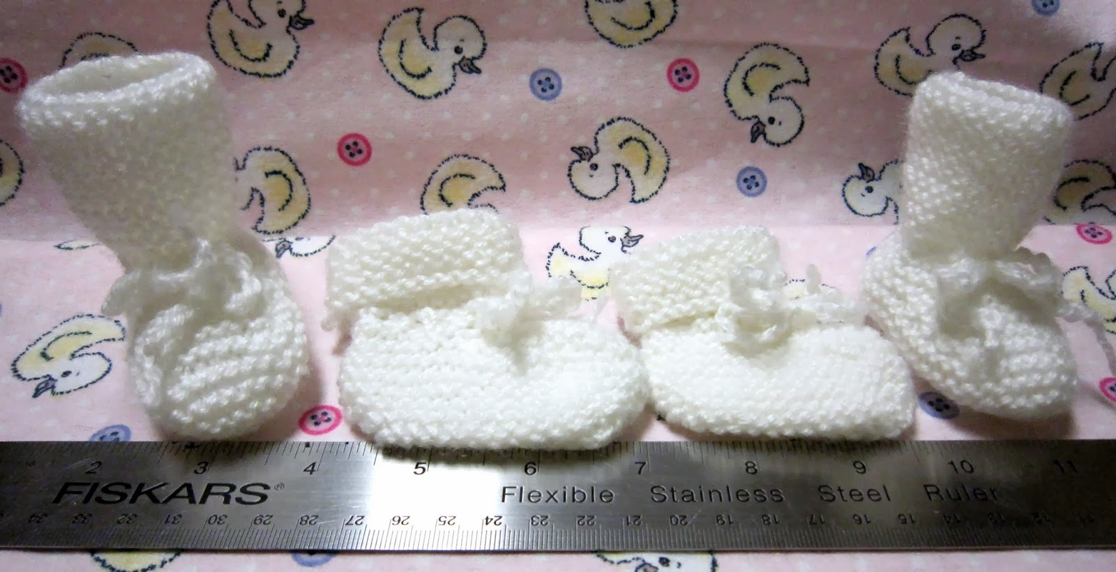 Sea Trail Grandmas: FREE KNIT EASY PREEMIE BABY BOOTIES ...