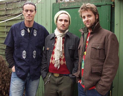 "Som Mutante"": John Butler Trio ""April Uprising"""