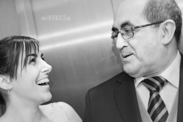 traje-de-padrino-novia-Asturias-boda-fotografo-Torazo-bodas-civiles-divertidas-hoteles-restaurantes